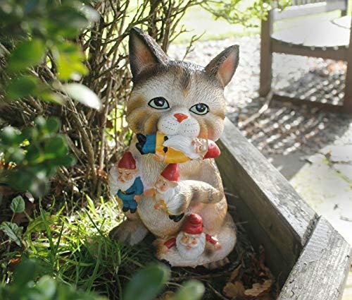 HomeZone Novelty Cat Eating Gnome Garden Ornament Outdoor Decorative Gnome Figurine Patio Decor Unique Colourful Fun Garden Gnome Gift for Cat or Garden Lover