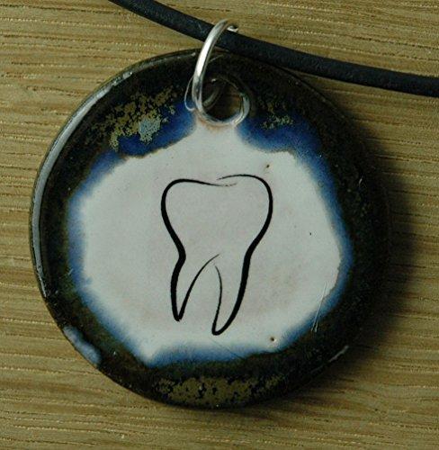 Echtes Kunsthandwerk: Hübscher Keramik Anhänger Zahn; Zahnarzt, Studium, Zahnmedizin, Zahnärzte, Medizin, Ärzte, Arzt