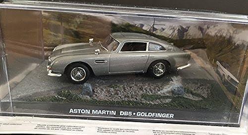 james bond 007 aston martin DB5 Goldfinger film scene car 1.43 scale diecast model by universal hobby