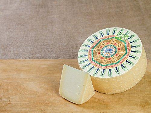Sweet Pecorino cheese, one of the Pecorino Sardo Dop