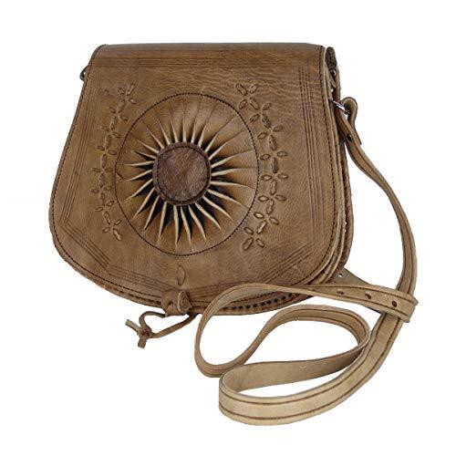 """Leder-Tasche """"Zahra"""" 25x28cm in Hellbraun • marokkanische Umhängetasche mit Ledernäherei • 100% Handarbeit & Rindsleder • Handtasche mit verstellbarem Schultergurt & 2 Fächern • Simandra"""