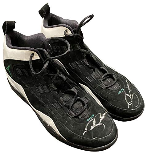 Ray Allen Signed Air Jordan 2009-10 Game Used Celtics Sneakers Photo Resolution