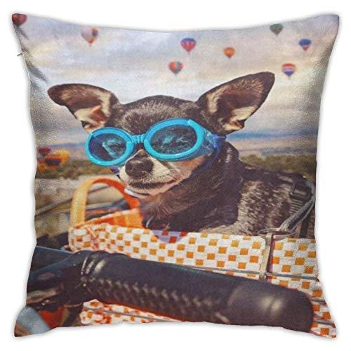 Funda de almohada vintage linda Chihuahua en la cesta de la bici con globo de aire caliente, funda de almohada decorativa para decoración del hogar cuadrada de 45,7 x 45,7 cm