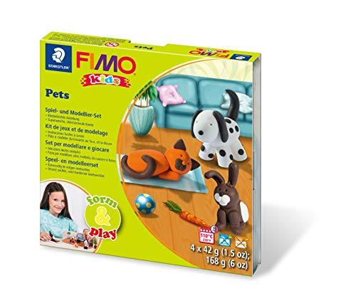 Staedtler 8034 02 LY Fimo barnform&play Set husdjur (supermjuk, ugnshärdande knådning, barnlätta instruktioner, återförslutningsbar låda, set med 4 fimoblock, 1 modelleringstav och 1 lekscen)