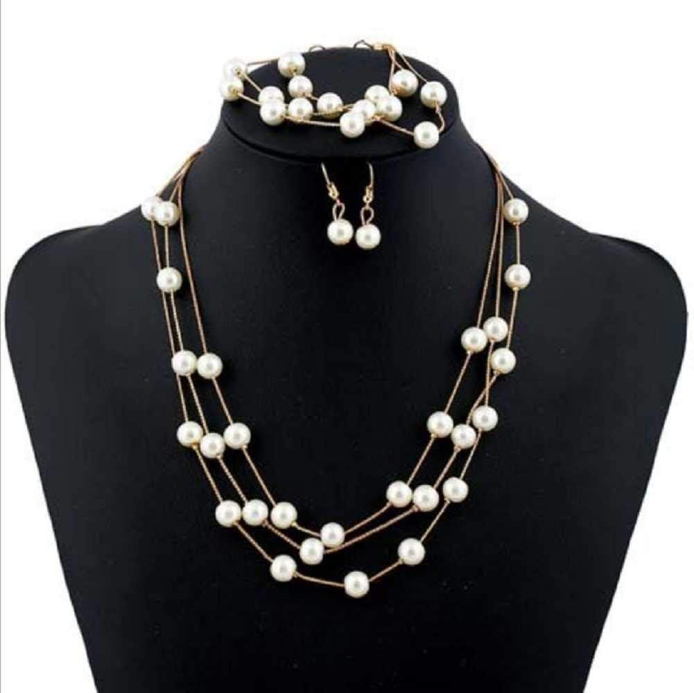 MERSDW Hot Earrings Pearl Necklace Bracelet Jewelry Set Three-Piece Female Korean Version of The Multi-Layer Pearl Earrings Clavicle Chain Earrings (Gold)