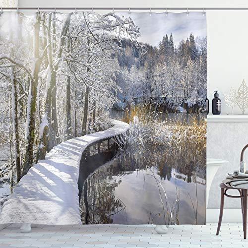 ABAKUHAUS Winter Duschvorhang, Schnee bedeckte Pfad im Wald, Bakterie Schimmel Resistent inkl. 12 Haken Waschbar Stilvoller Digitaldruck, 175x200 cm, Mehrfarbig