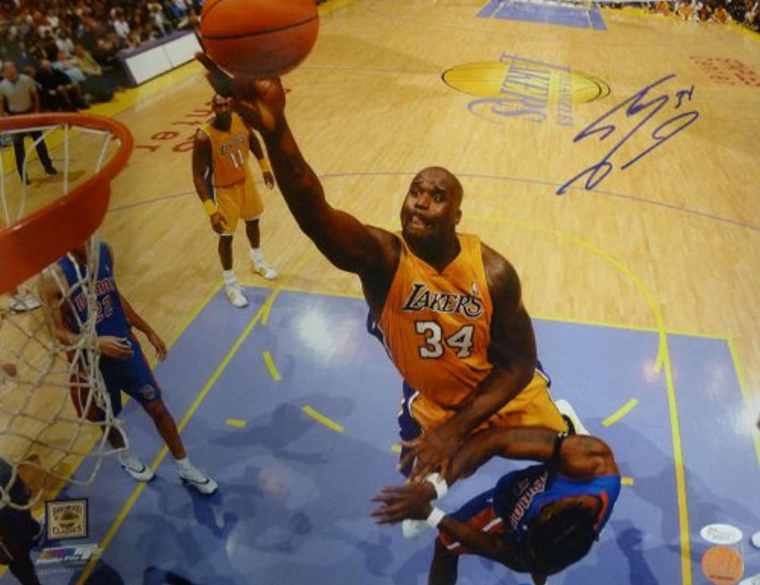 Shaquille O'Neal Autographed Los Angeles Lakers (Layup) 16x20 Photo JSA