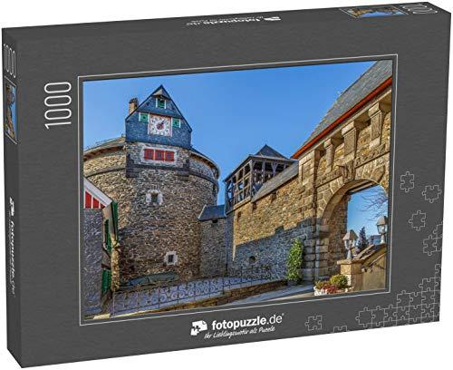 fotopuzzle.de Puzzle 1000 Teile Die Burg Burg in Burg an der Wupper (Solingen) ist die größte rekonstruierte Burg Nordrhein-Westfalens. Turm mit Uhr (1000, 200 oder 2000 Teile)