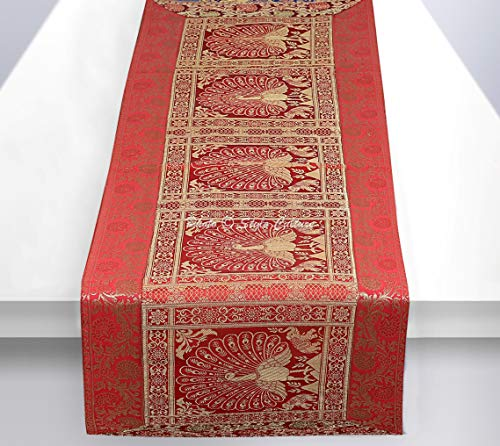 Stylo Culture Ethnische Dekorative Tischdecke Rot Gold Tanzen Pfau mit Blumen Bohemien Jacquard Tischläufer Rechteckig 5 Fuß Für Wohnzimmerdekor Brokat Rezeption Tischplatte (40 x 152 cm)