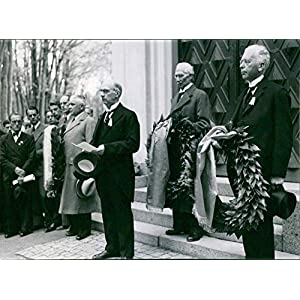 Vintage photograph of Dr Sven Lide, Axel Bromningar and Ernst Erfors at the wreath laying at Torsten Rudensch�lds and FF Carlssons and Prince Gustaf's graves