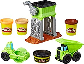Play-Doh Wheels Gravel Yard Construction Toy with Non-Toxic Pavement Buildin' Compound Plus 3 Additional Colors