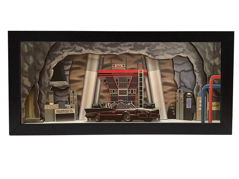 Price reduction Batman Batcave interior shadowbox supreme - diorama memorabilia picture