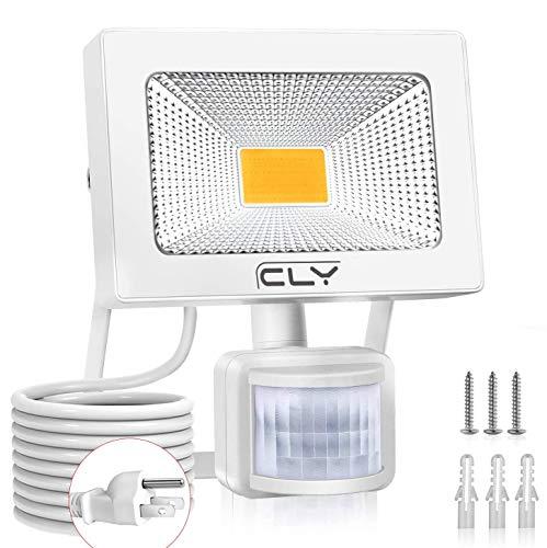CLY LED 投光器 センサーライト 30W 暖色系 センサー 防犯ライト 電球色 センサー 玄関ライト 屋外 PIR動体感知点灯 自動消灯 AC100V センサー ブラケットライト 防水IP66 庭園灯 高輝度 広角 コード1.5M 庭 駐車場 通路