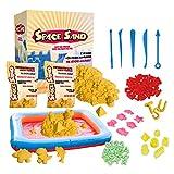Leo & Emma Space Sand 1.8 kg con 50 Pezzi Forme, Numeri, Lettere, Pezzi di Castello, Strumento di modellazione, Sabbia Magica cinetica, Testato TÜV (1.8kg Giallo)