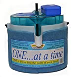 Dispensing One at a Time Minnow Bucket Includes D-Battery Operated Bubble Stone Aerator (Blue)