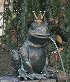 Rottenecker Bronzefigur, Skulpturen, Froschkönig Teodor wasserspeiend mit vergoldeter Krone, 23 cm hoch