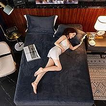MMMWQ Juego de cama de franela de color sólido, sábana bajera ajustable de terciopelo elástico para cama de cama Queen King Size juego de cama, color gris oscuro, 2 fundas de almohada