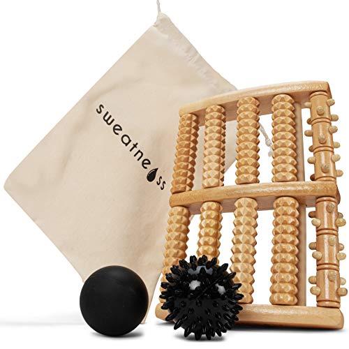 Hochwertiger Fußmassageroller aus Naturholz inkl. Lacrosseball, Igelball und Tragetasche zur optimalen Stresslinderung und Entspannung - Fußmassage perfekt für Zuhause und fürs Büro