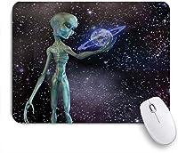 MISCERY マウスパッド 天の川の宇宙人エイリアンの体惑星スタークラスター地球外の生き物の画像 高級感 おしゃれ 防水 端ステッチ 耐久性が良い 滑らかな表面 滑り止めゴム底 24cmx20cm