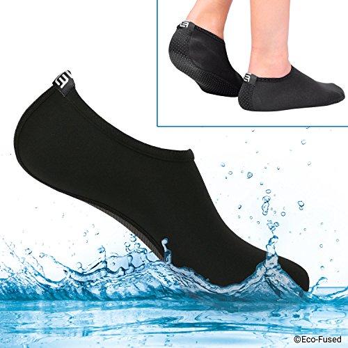 Skarpety wodne dla kobiet – wyjątkowy komfort – chronią przed piaskiem, zimną i ciepłą wodą, promieniowaniem UV, skałami/kamykami – buty Easy Fit – do jogi, na plażę, basen, siatkówki i innych (średnie, czarne)