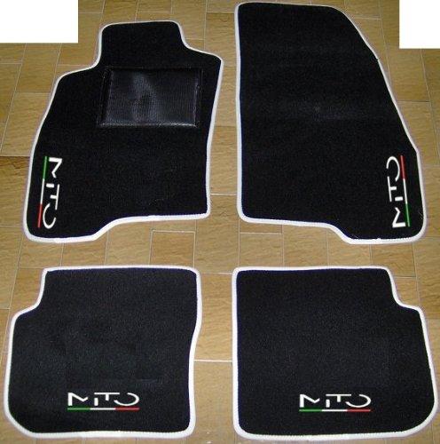 Tappeti per Auto Neri con Bordo Bianco, Set Completo di Tappetini in Moquette su Misura con Ricamo a Filo Linea Tricolore Italiana