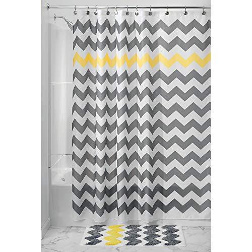 InterDesign Chevron Duschvorhang Textil | leicht zu pflegener Duschvorhang aus Stoff mit verstärkten Löchern | Badewannenvorhang mit Zickzack-Muster | Polyester grau/gelb