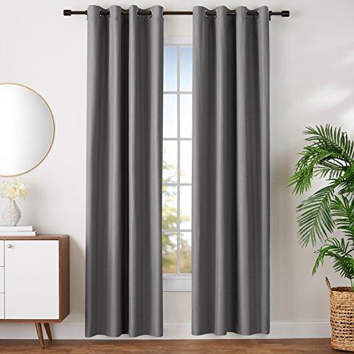 Amazon Basics - Juego de cortinas que no dejan pasar la luz, con ojales, 140 x 245 cm, Gris oscuro