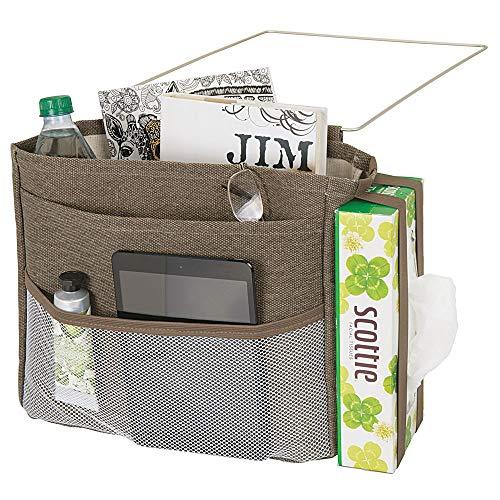 mDesign Wren Betttasche zum Einhängen – geräumiger Nachttisch Organizer aus Baumwolle – mit 3 Taschen – praktische Hängeaufbewahrung für Wasserflasche, Fernbedienung, Armbanduhr & Co. – braun