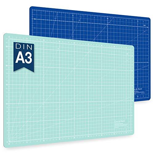 Alfombrilla de corte autorregenerable A3 en azul, rosa y verde. Perfecta para coser, manualidades y patchwork. Impresa por ambos lados 45 x 30 indicación en cm y pulgadas