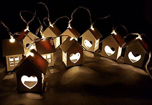 Lichterkette mit 10 kleinen Holzhäusern - mit 10 LED in warmweiß - Deko Beleuchtung mit Batterie