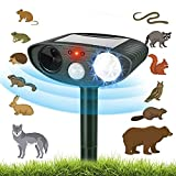 Comonby Ultrasonic Cat Repellent, Outdoor Animal Repeller Deterrent, Solar Waterproof Ultrasonic Animal Deterrent With Motion Sensor and Flashing Lights, for Foxes, Birds, Skunks and Other Rodents
