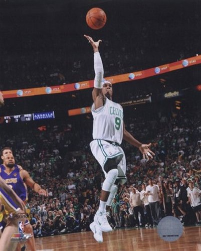 Rajon Rondo Game Five of the 2009-10 NBA Finals Action (#14) Stampa fotografica (40,64 x 50,80 cm)