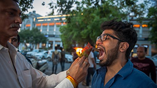 New Delhi Street Food Stall Serves Snacks On Fire