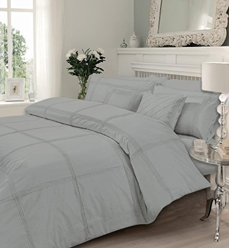 Gaveno Cavailia Hamlet Pintucks Style Luxurious Duvet Cover Sets Quilt Cover Sets Bedding Sets with Pillowcases (Silver, Double)