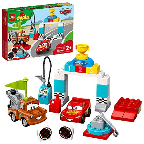 Disney and Pixar Cars Lightning McQueen's Race Day