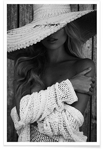 """JUNIQE® Poster 20x30cm Schwarz & Weiß Menschen - Design """"You See Me?"""" (Format: Hoch) - Bilder, Kunstdrucke & Prints von unabhängigen Künstlern entworfen von Marie Bärsch"""