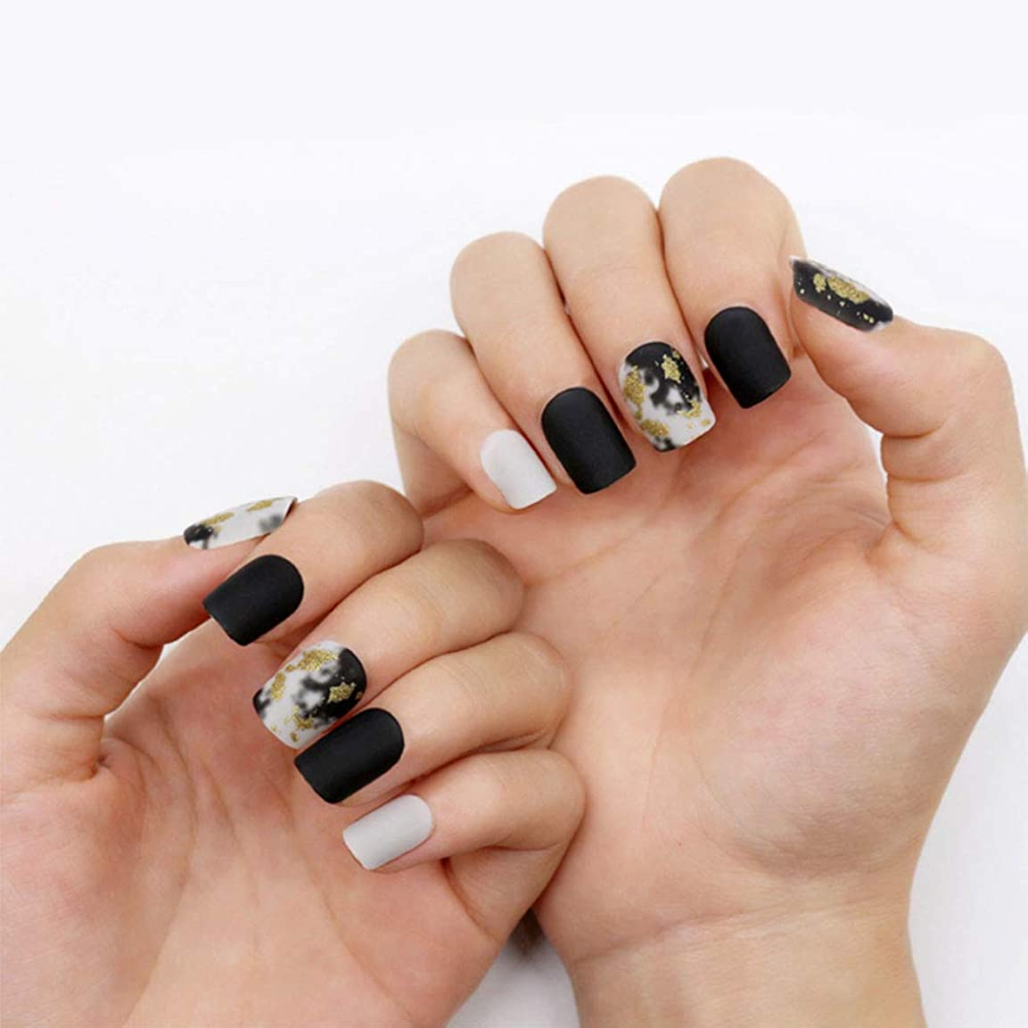 大量小屋なのでネイルチップ 12サイズ 夏の 優雅 黒 つけ爪 ネイル用品 ショート デコレーション 無地 付け爪