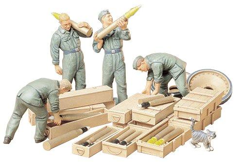 Tamiya 300035188 - Set Statuette Soldati della seconda Guerra Mondiale, addetti all armamento del carro Armato 4 pz., Scala 1:35