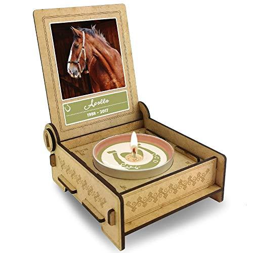 TROSTLICHT | Trauerkerze Pferd | personalisiert mit Foto & mit Namen | Holz-Box mit Spruch & Hufeisen | Andenken Pferd Erinnerung | Trauer Haustier (Spruch: Herz)