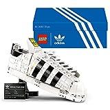 LEGO 10282 Adidas Originals Superstar, Set de Construcción para Adultos de Maqueta de Zapatillas, Coleccionables para Exponer