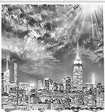 Urban Duschvorhang Dramatische Skyline von New York City Sonnenstrahlen Wolken Wolkenkratzer Monochrome Landschaft Badezimmer Dekor