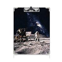 クリップボード 銀河 ミニバインダー 月面の宇宙飛行士アメリカの国旗アメリカロケットトラベルスペースアート 用箋挟 クロス貼 A4 短辺とじグレーネイビーブルー