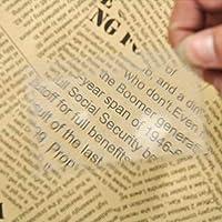 IGOSAIT 読書用ルーペ 1PCミニクレジットカードサイズの拡大鏡読書拡大鏡レンズポケットルーペ携帯用透明な拡大鏡新