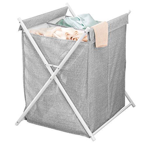 mDesign Organizador de baño con cestas para la colada – Cubo para ropa sucia con 2 divisiones – Muebles auxiliares de baño plegables con saco de tela estructurado de metal y poliéster – gris y blanco