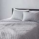Amazon Basics Cotton Jersey Quilt and Shams Bed Set, Down-Alternative Quilt - Full/Queen, Light Gray