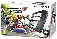 Include una console Nintendo 2DS Nero/Blu, scheda di memoria SD di 4 GB e alimentatore per Nintendo 2DS + gioco Mario Kart 7 pre-installato Doppio schermo di gioco di cui uno touch screen, connettività multiplayer sia in remoto che on-line (necessari...