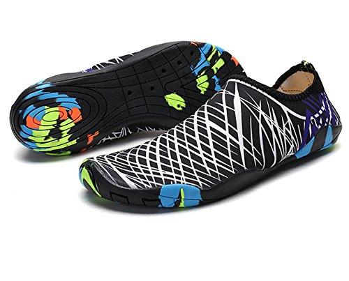 Aqua Chaussures Water Shoes Sport Aquatique Plage Piscine Surf Yoga Course de Sport Chaussures Wetsuit Barefoot Skin Chaussettes pour Femmes Hommes Enfants (38, White)