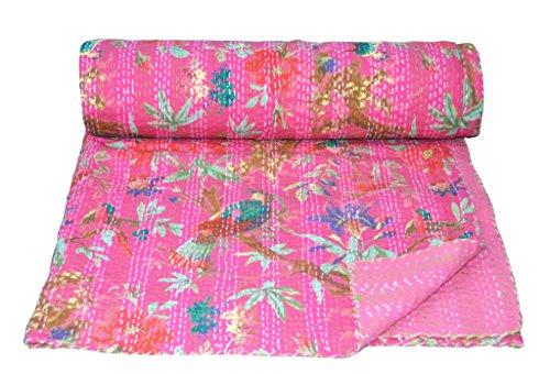 Yuvancrafts Handgemachte indische Steppdecke von Something...