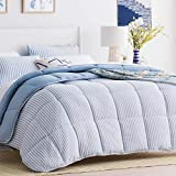 Linenspa All-Season Reversible Down Alternative Quilted Comforter - Hypoallergenic - Plush Microfiber Fill - Machine Washable - Duvet Insert or Stand-Alone Comforter - Cloudy Sky Blue - Queen