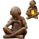 Glimpses of God Niño con Estatua de luciérnaga, Estatua de prodigio Luz Solar para césped, niño con Estatua de lámpara de luciérnaga, estatuas de Arte Retro con luz Solar LED